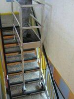 echafaudage d 39 escalier pour rattraper le niveau. Black Bedroom Furniture Sets. Home Design Ideas