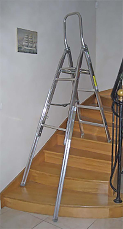 Echelle pour escalier droit ou en colimacon id al pour le bricolage - Echelle pour escalier tournant ...