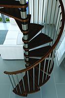 main courant de l'escalier bois