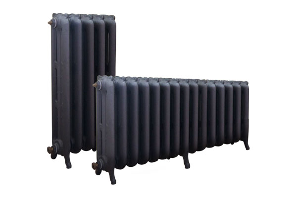 radiateur fonte lisse tr s esth tique. Black Bedroom Furniture Sets. Home Design Ideas