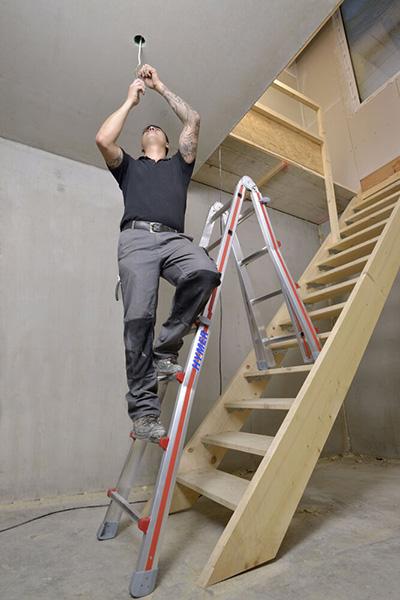 echelle articul e alu 4 plans pour usage multiple chelle simple double ou pour escalier. Black Bedroom Furniture Sets. Home Design Ideas