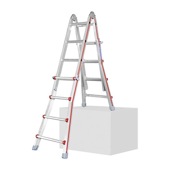 échelle dans un escalier