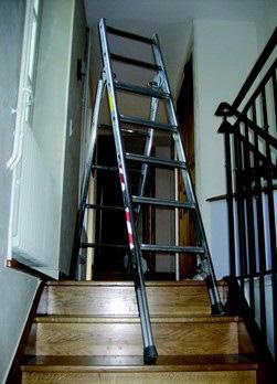 escabeau escalier 783389J