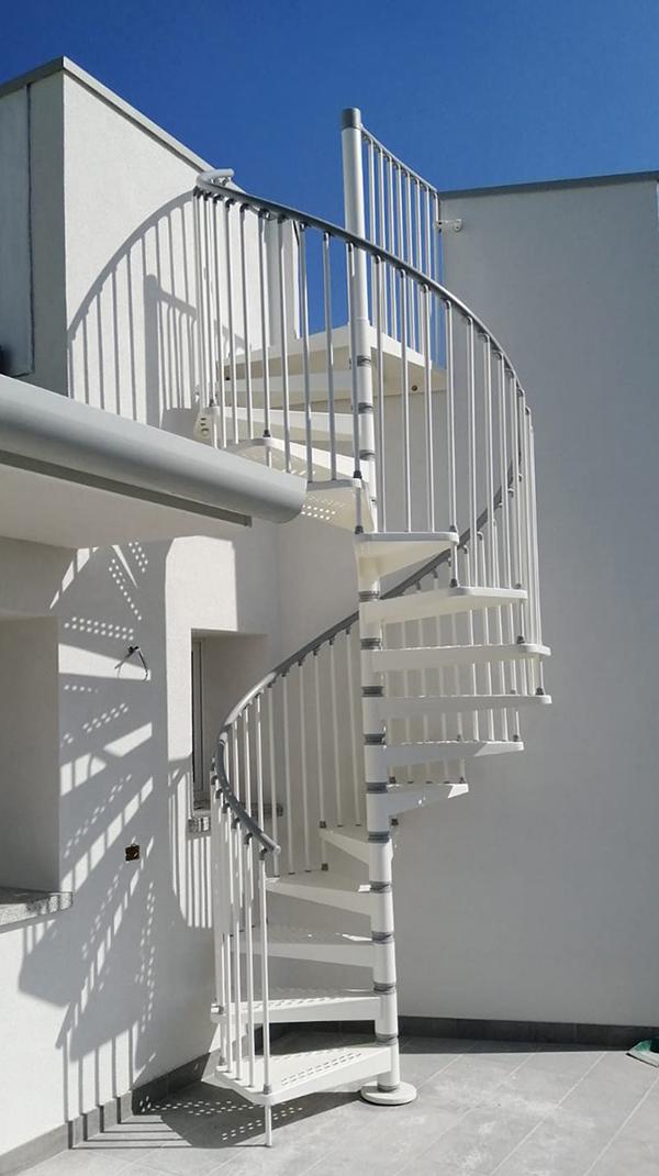 escalier colimacon 9E1200 blanc