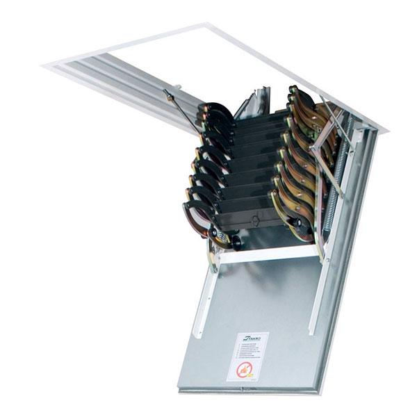 escalier escamotable LSF pliee