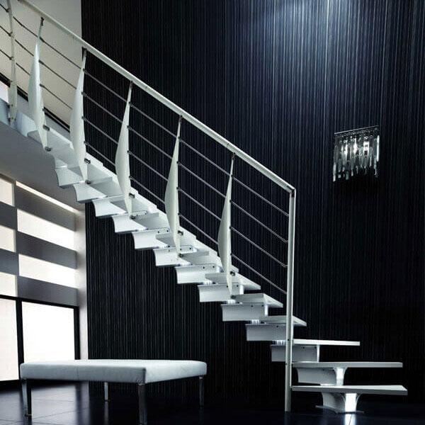 escalier sur mesure blanc