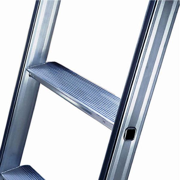 Escalier De Meunier Alu Avec 2 Rampes Lat Rales De Protection Et Pieds Articul S En Caoutchouc