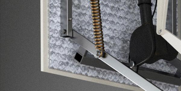 Système d'isolation de l'escalier escamotable de terrasse