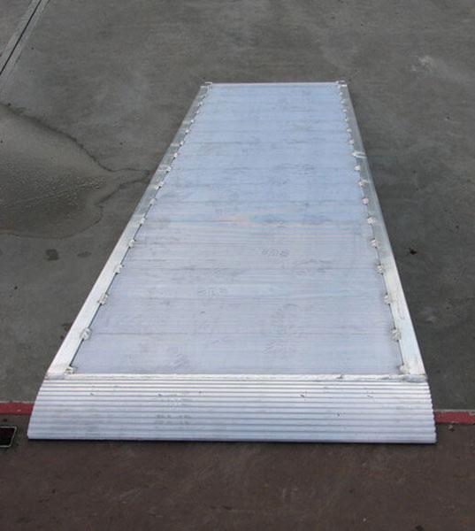 breite Aluminiumrampe