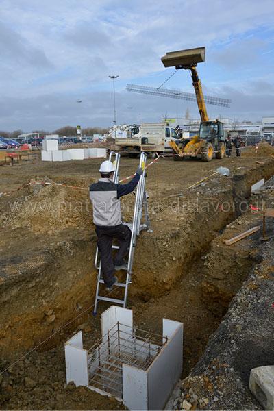 discesa accesso agli scavi N111 202