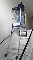 escabeau gazelle dans les escaliers