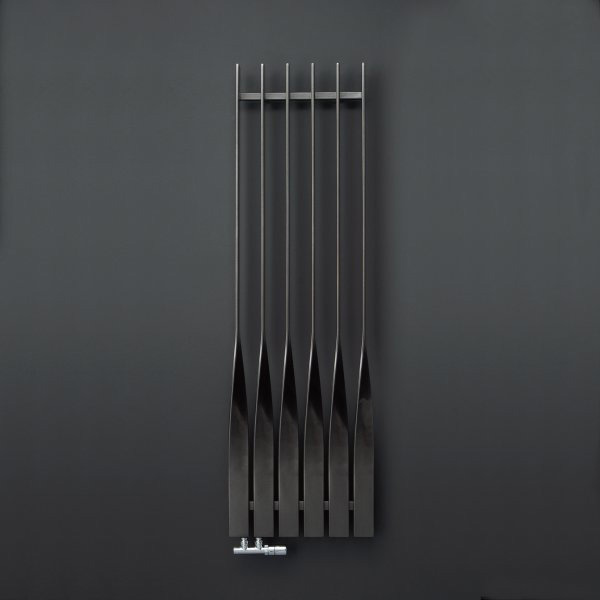 radiateur design vertical cycklon. Black Bedroom Furniture Sets. Home Design Ideas