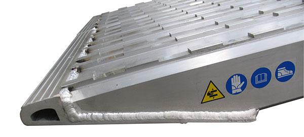 Rampa da carico portata max 21 5t larghezza 390mm for Rampe da carico usate