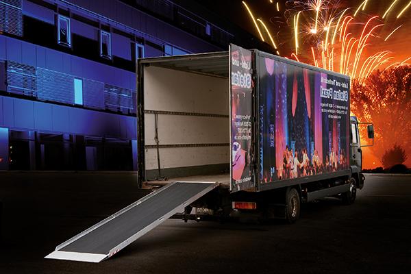 rampe de chargement materiel son lumieres camion