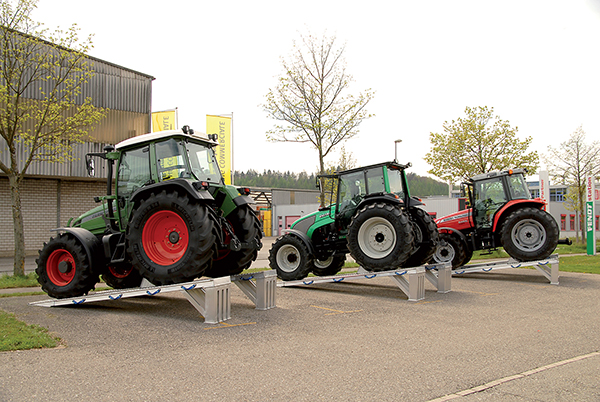 rampes exposition tracteur agricole