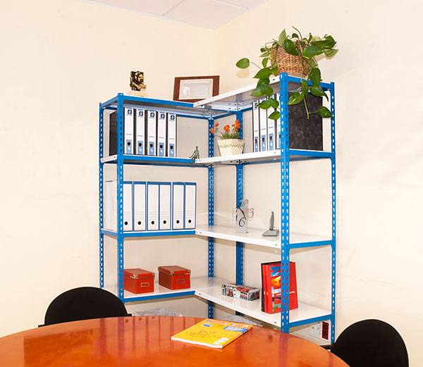 Etagere d'angle legere