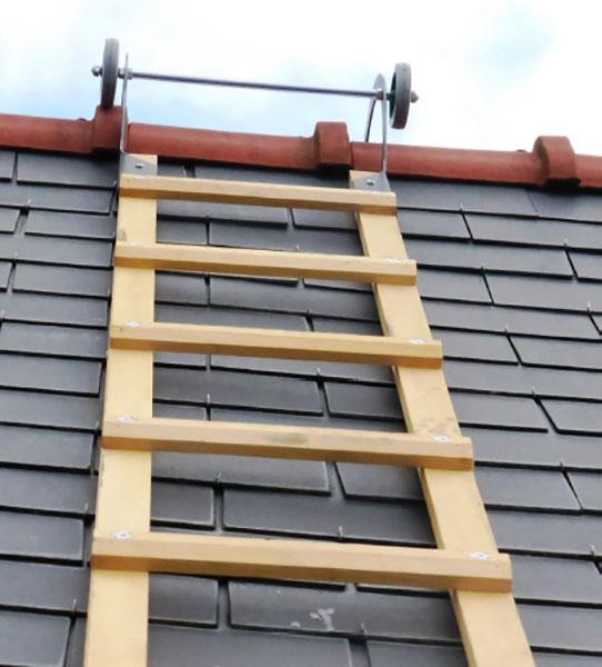 ganci scala tetto legno