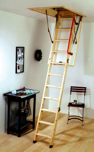 scala retrattile legno