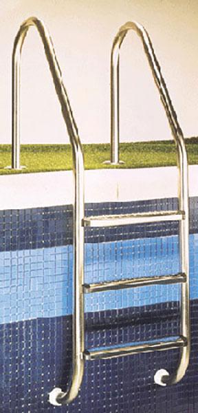 scaletta piscina situazione