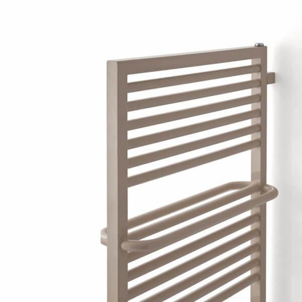 s che serviette lectrique echo. Black Bedroom Furniture Sets. Home Design Ideas
