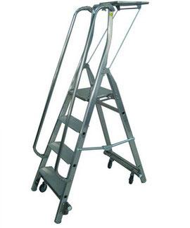 Stehleiter fahrbar